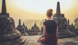 De zonsopkomst bekijken bij de Borobudur op Java