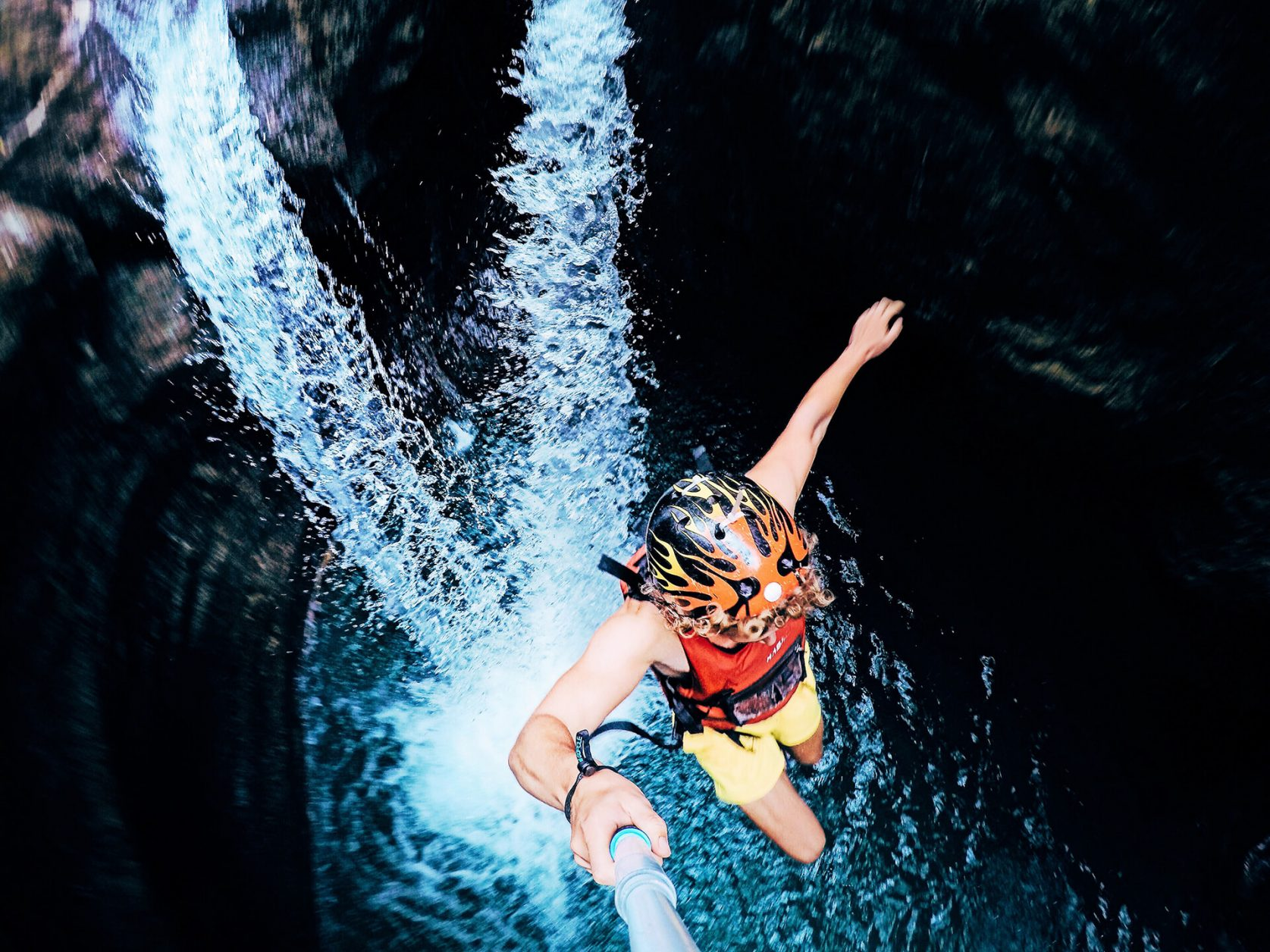 Canyoning-jump-kawasan-falls-badian-cebu