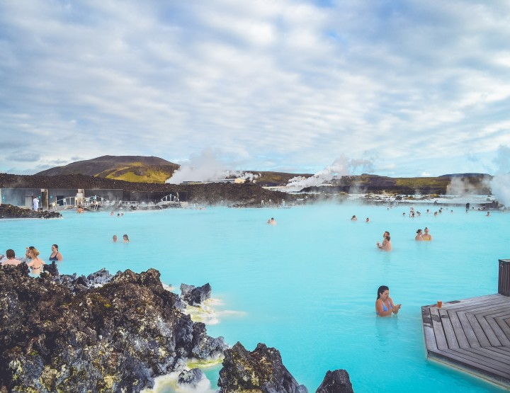 Zwemmen in The Blue Lagoon in IJsland