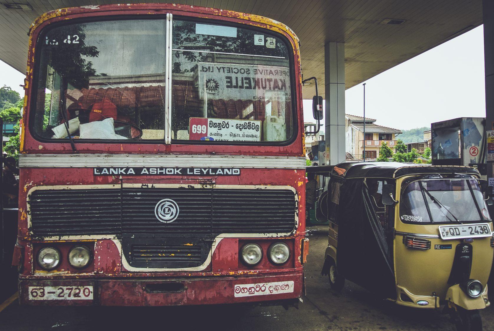 Je reist altijd met van die standaarttt toeristenbussen