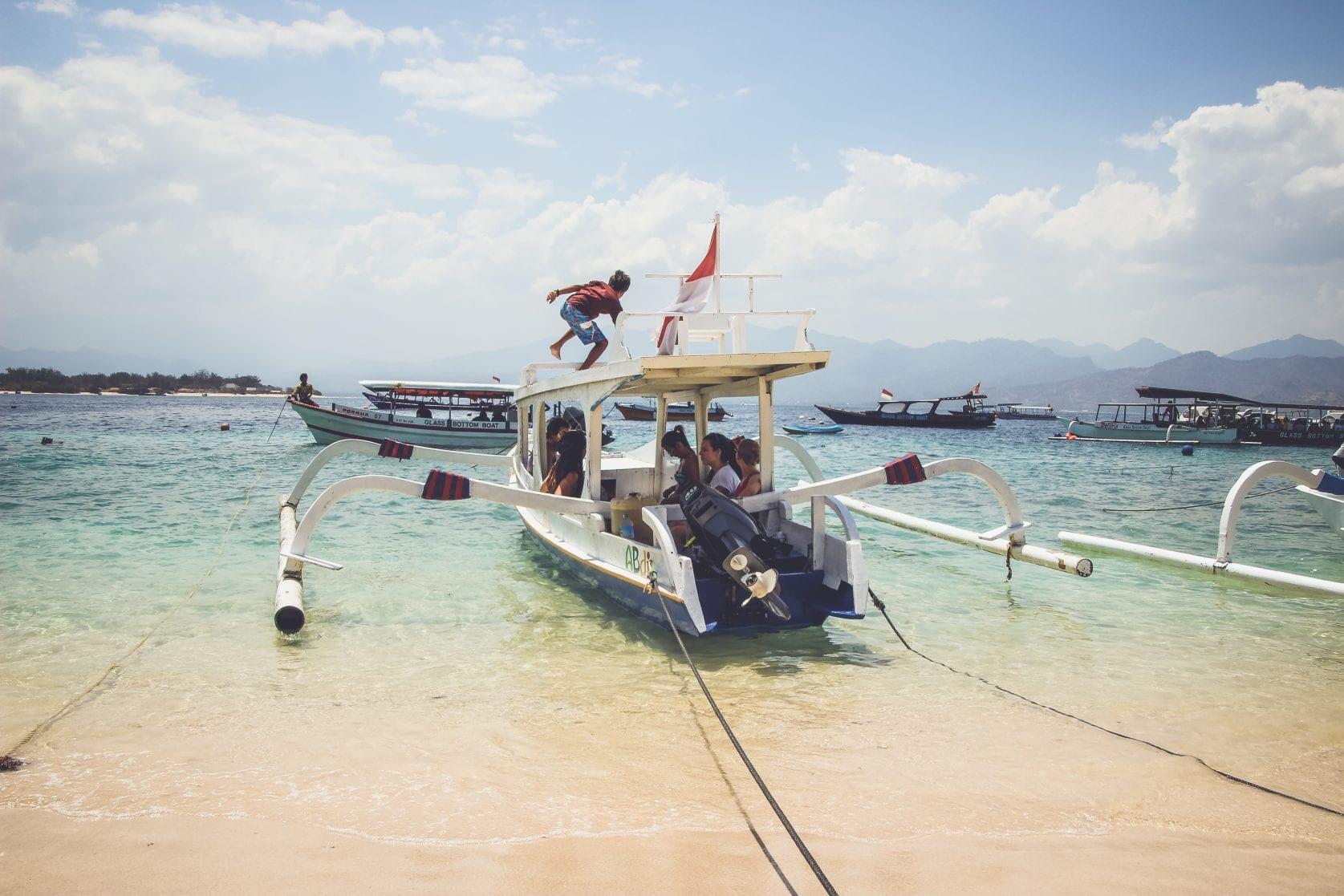 ferry gili