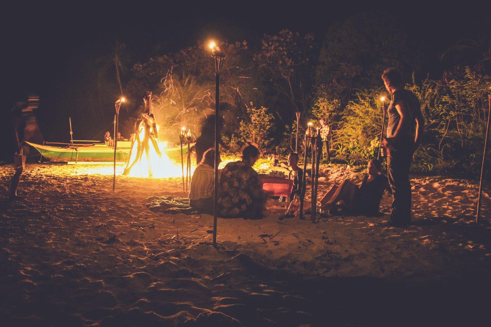 Buhay isla camping