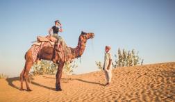 Luxe kamperen in de woestijn van Rajasthan
