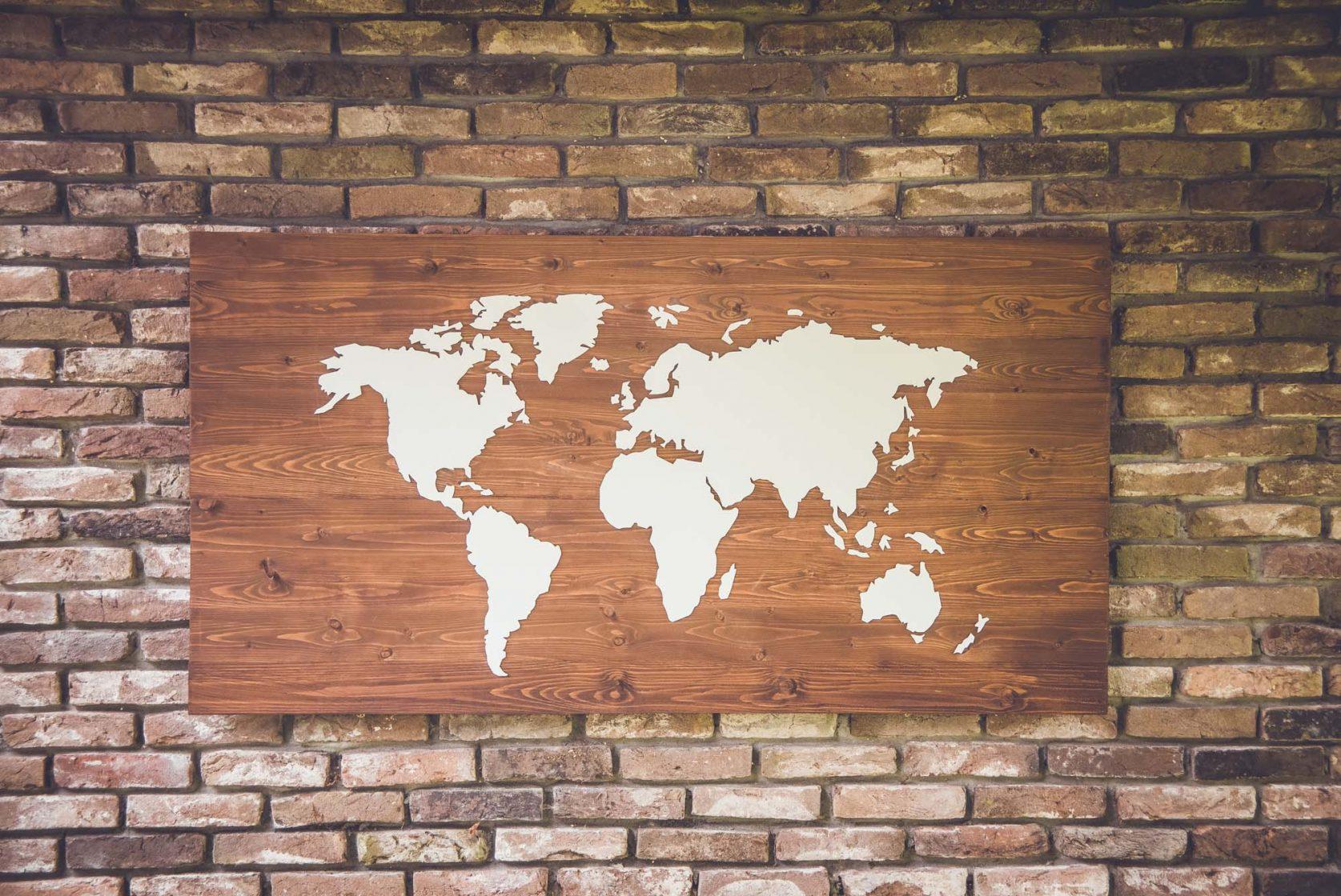 Uitgelezene REISJUNK / Deze wereldkaart van hout is een musthave voor elke BU-65