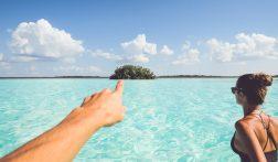Bacalar: een paradijselijk meer met 7 kleuren blauw water